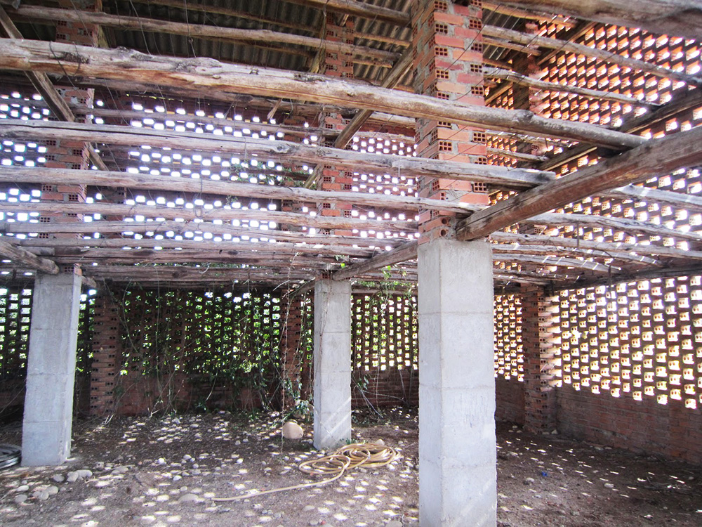 Antiguo secadero de tabaco en desuso.