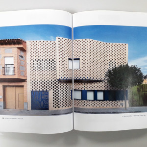 OOIIO Brick and Tile 11